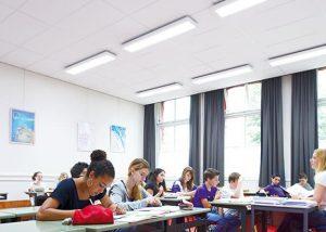 Classroom-led-light